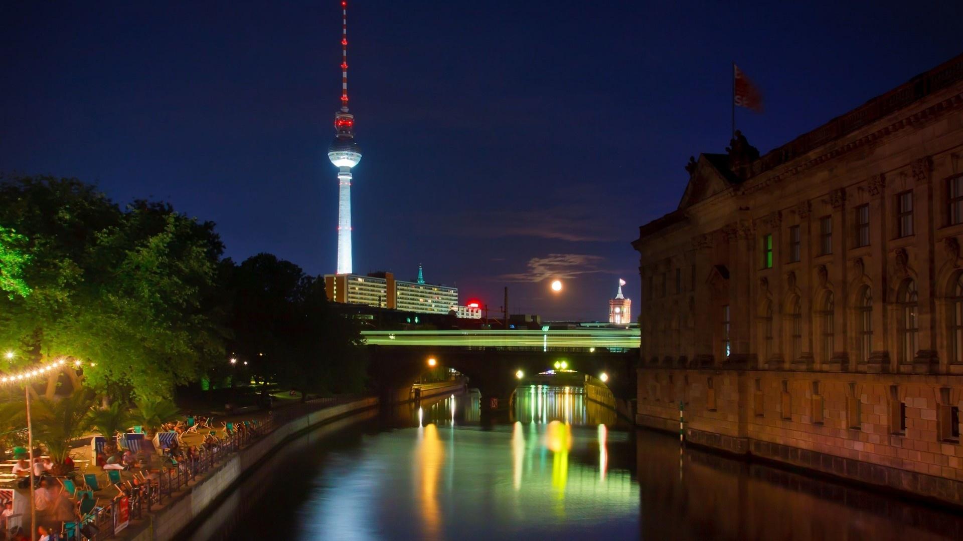 Обои Вода, красота, набережная, ночь, шоу, красота, освещение. Города foto 7