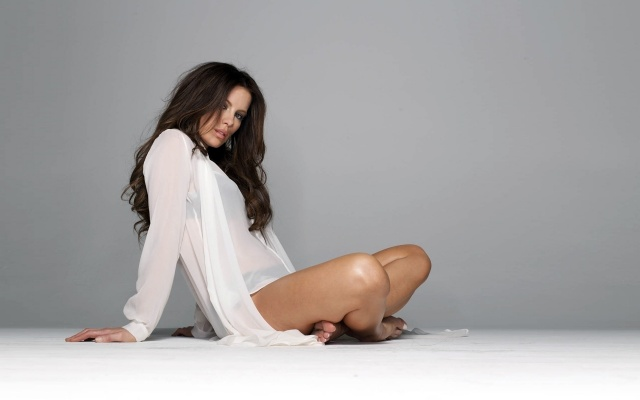 Kate beckinsale, actress, grey background