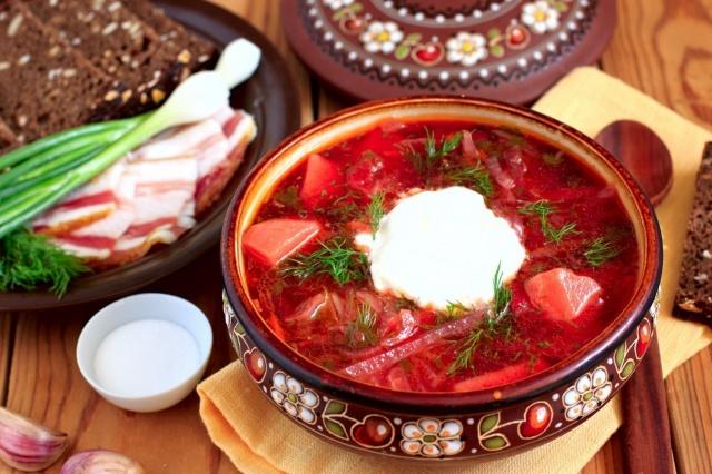 jídlo, boršč, zakysaná smetana, sádlo, cibule