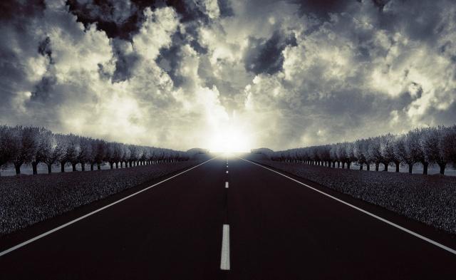 svítání, mraky, stromy, пустынное dálnici, pocit rychlosti