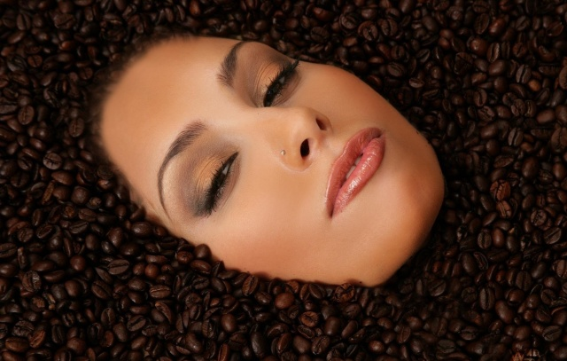Anetta Keys, creative, photo, face, coffee, piercing
