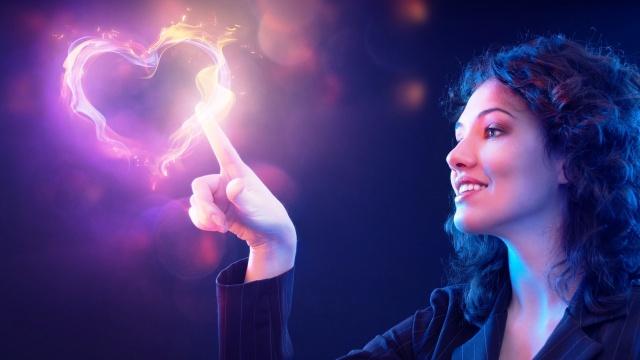 девушка, светящееся сердце, волшебница
