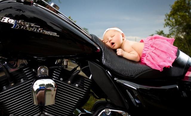 девочка, младенец, спящая, сон, повязка, юбочка, HARLEY-DAVIDSON