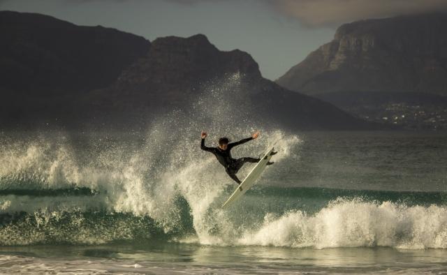 серфинг, мужчина, экстрим, спорт, горы, фьорд, море, небо, облака