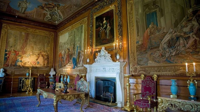 fireplace, picture, watch, chair, vase, Museum, table, painting