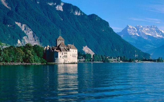 озеро, гори, ліс, замок, будиночки, небо