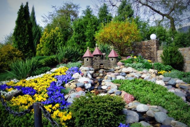 Park, spring, flowers, castle, stream, pebbles, nature, beautiful