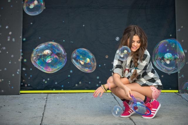 Selena Gomez, singer, photo, bubbles, fashionista, posing