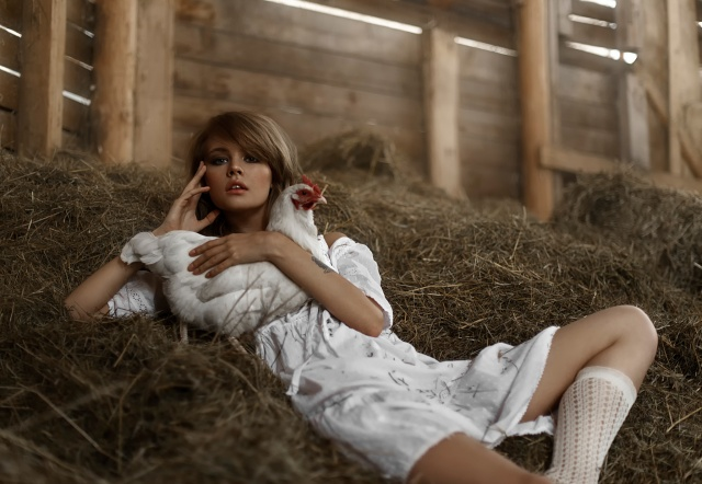 Anastasia Shcheglova, Nastya, the hayloft, chicken, legs, tattoo, Tatiana Mercalova