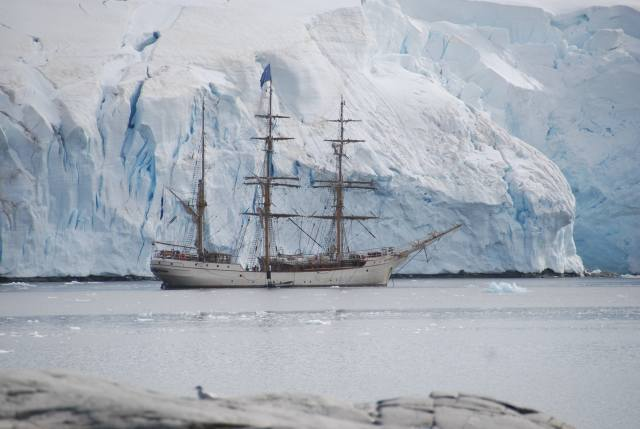 корабль, парусник, Антарктида, айсберг