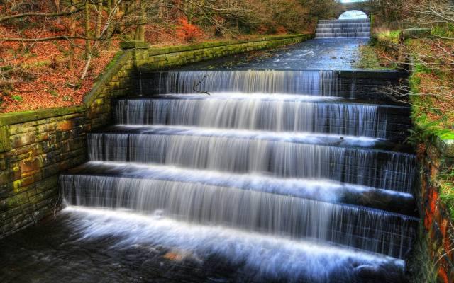 Небольшой водопад на лестнице в парке долины, England, Wallpaper for desktop