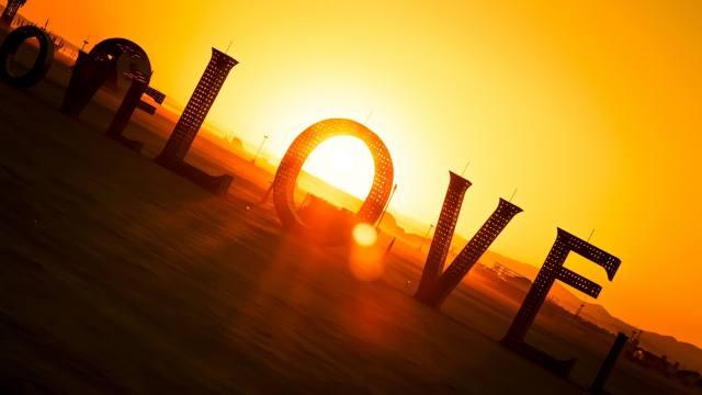 LOVE, the sun, glare, 3d