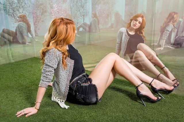 белла торн, herečka, zpěvačka, model