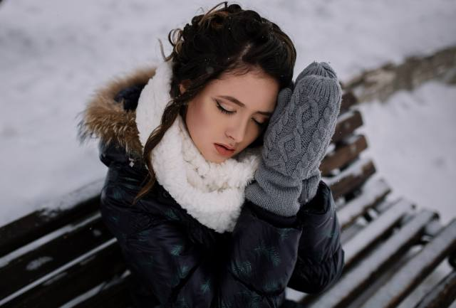 girl, bench, winter, disha shemetova