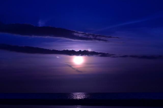 měsíc, mraky, moře, noc, vlny