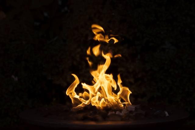 oheň, táborák, pozadí