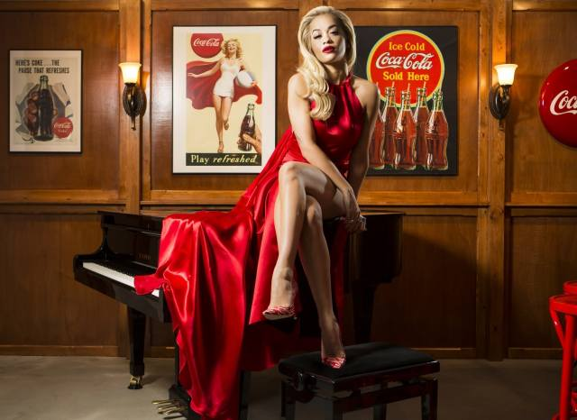 Rita Ora, співачка, актриса, піаніно, сукню, coca-cola