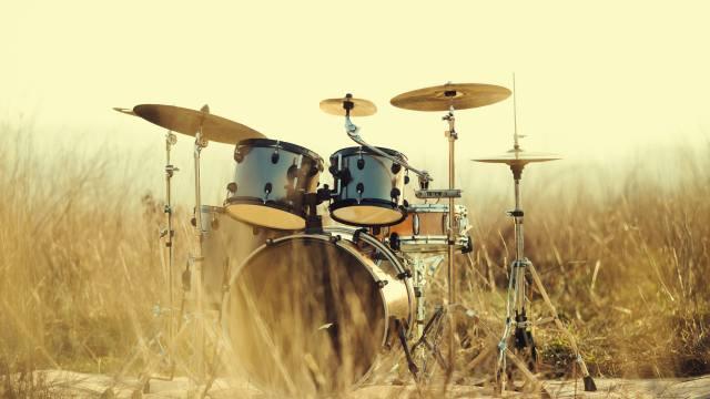 барабани, інструмент, трава