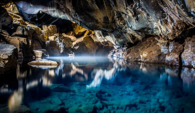 Миватн, Исландия, природа, пещера