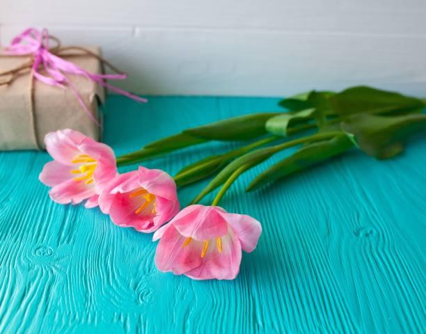Три, рожевих, тюльпан