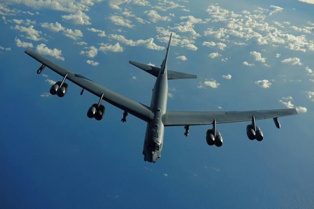 the plane, bomber, B-52, flight