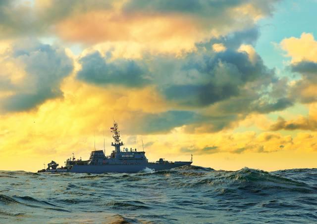 sea, the sky, ship