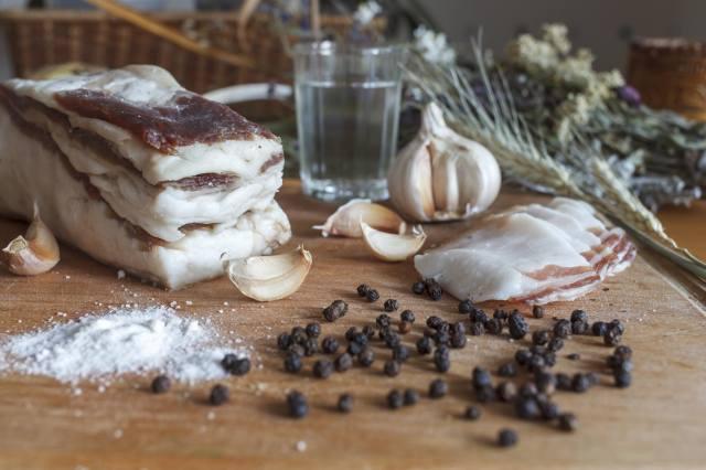 garlic, pepper, black, salt, fat, food