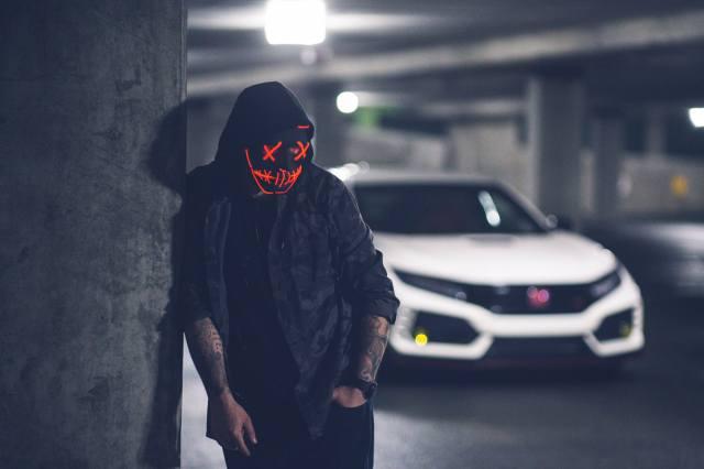 маска, Неон