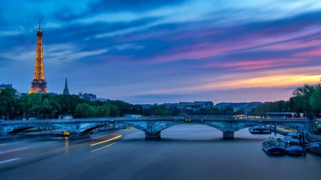 Paříž, panorama, soumrak
