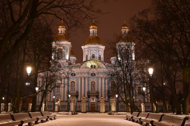 St. Petersburg, winter, Cathedral, St. Nicholas Naval Cathedral, night, bench, snow, trees, the city