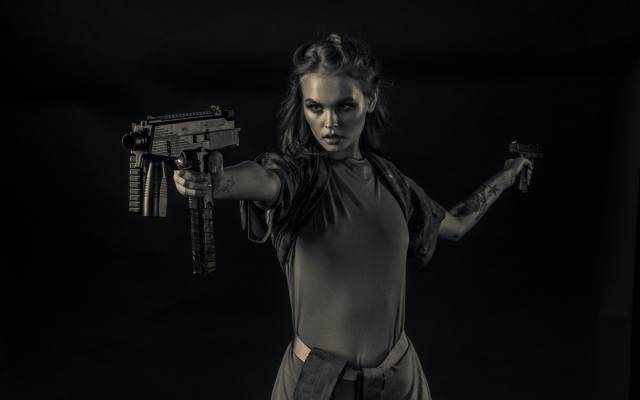 girl, weapons, black and white background