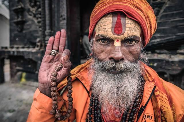 Nepal, Kathmandu, Portrait of a sadhu, Старик, руки, борода, лицо