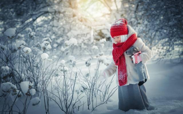 dítě, dívka, sukně, srst, čepice, šátek, hračka, příroda, zima