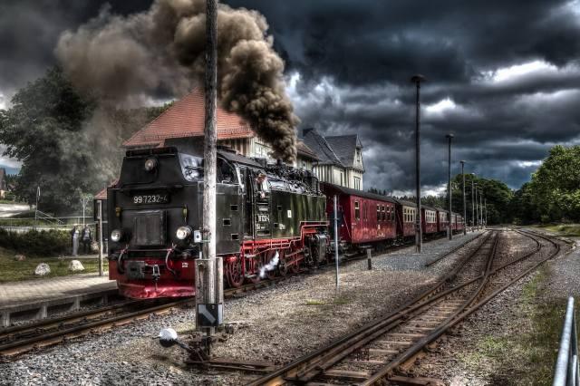 the engine, train, cars, smoke