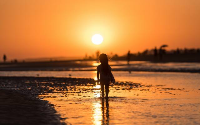 sunset, river, little girl, child, silhouette