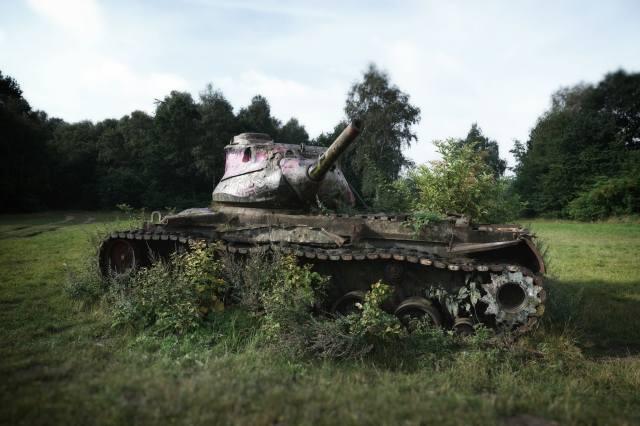 Tank, scrap, The BUSHES