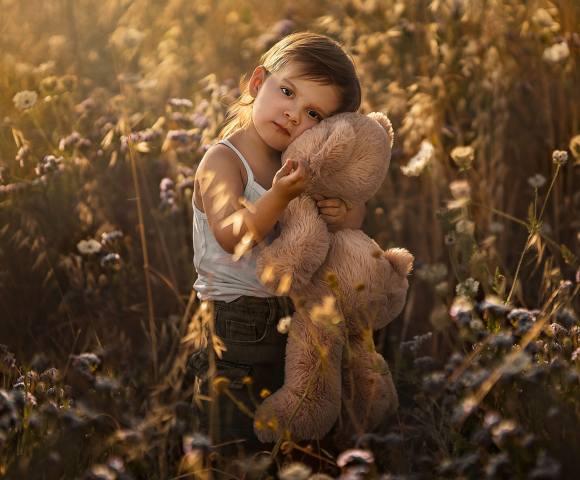 дитина, малюк, іграшка, мишко, природа, трава