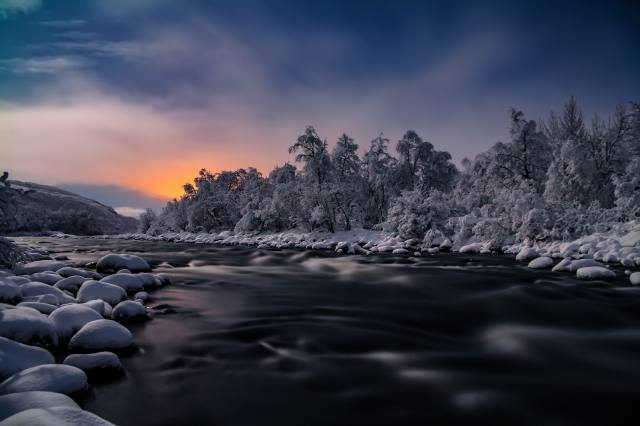 nature, landscape, winter, hill, river, stones, drifts, trees, The BUSHES