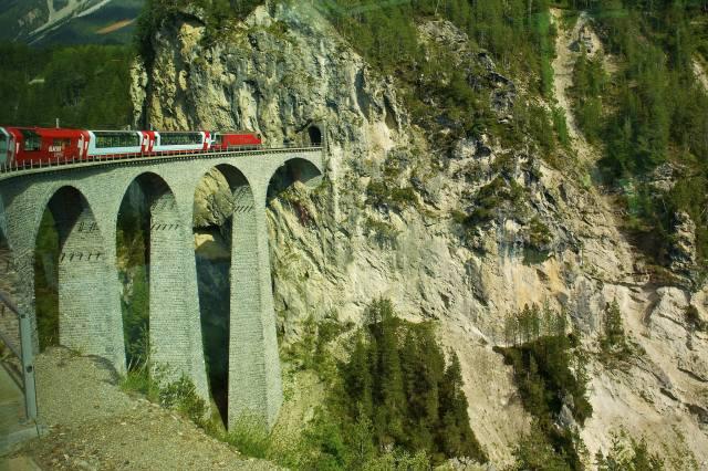 гори, тунель, міст, поїзд