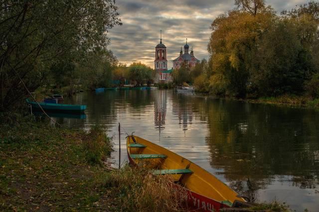 осінь, краєвид, хмари, природа, місто, річка, човни, церква, Трубеж