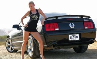 девушка, блондинка, позирует, суперкар, мустанг, паркинг, природа, секси, ножки, трусики