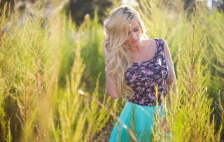 aida ridic, girl, blonde, macro, photo, nature, beautiful