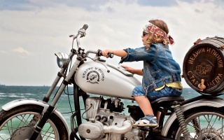 summer, child, walk, mood, motorcycle, barrel, bandana
