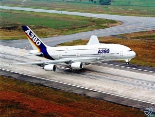 Airbus 380, runway. the largest liner of the world