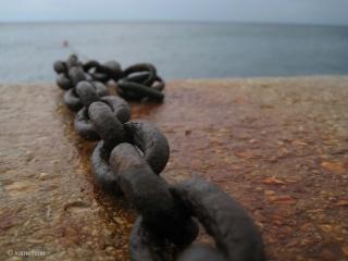 Chain, Links, pierce, stone