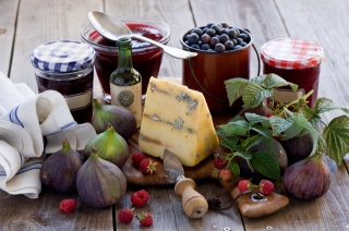 cheese, berries, jam, bottle, knife