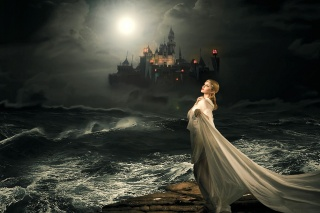 moře, hrad, holka