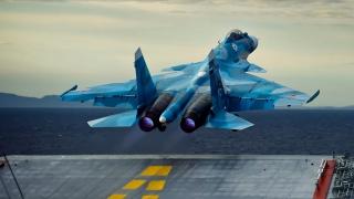 Су-33, Flanker-D, ОКБ Сухого, российский палубный истребитель четвёртого поколения, ВМФ России, авианосец, взлёт
