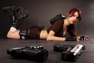 Лара Крофт, девушка, косплей, лежит, пистолеты, гранаты