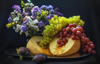 дыня, виноград, сливы